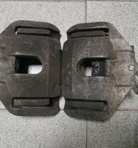 Суппорт передний bmw F60 бмв E61 60/30/324