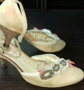 Обувь женская. Натуральная замша. Р. 36