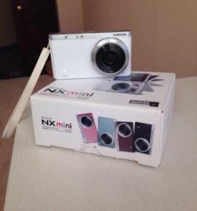 Фотокамера Samsung NX mini