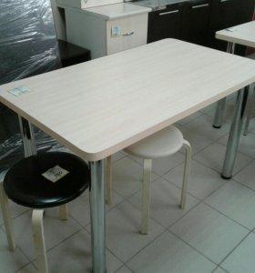 Стол кухонный 120 на 70 см