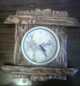 Часы в брашированой древесине