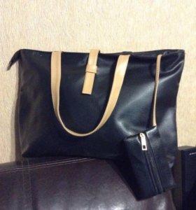 Стильная чёрная сумка с бежевыми ручками