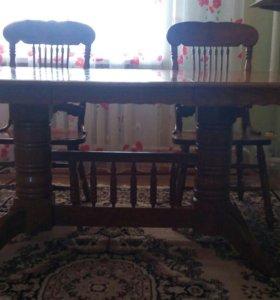 Кухонный стол с 4 стульями