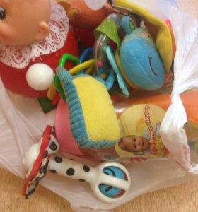 Игрушки погремушки для малышей