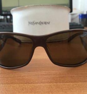 Солнцезащитные очки Yves Saint Lauren