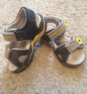 Детские сандалии Jekky