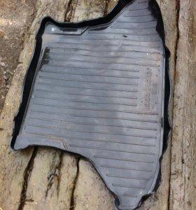 Резиновый коврик в багажник ВАЗ 2112
