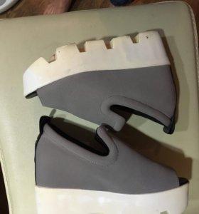 Туфли на горке