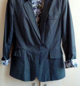 Пиджак для офиса zolla размер 40-42