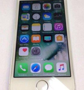 Телефон iPhone 5s Рст silver 16 Gb на гарантии