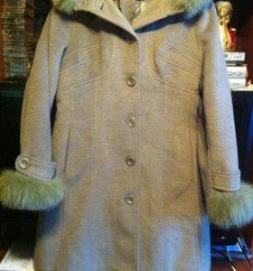 Зимнее пальто, размер 48, с натуральным мехом