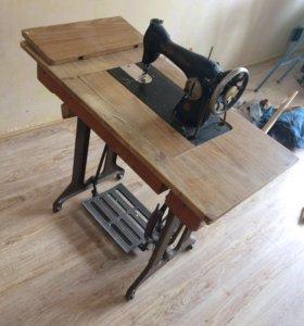 Швейная машинка 50-х годов