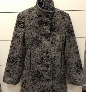 Пальто и безрукавка
