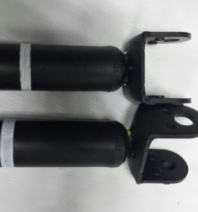Амортизатор подвески зад. (2 шт.) Новое Nissan E62
