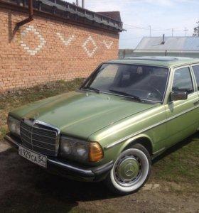 Mercedes-Benz E-250 (W 123)