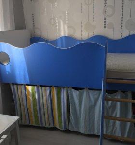 Кровать,шторки,матрас,шкаф,2 новые стенки кровати