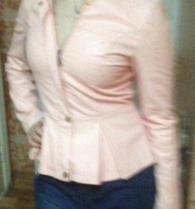 """Розовый """"кожаный""""пиджак"""