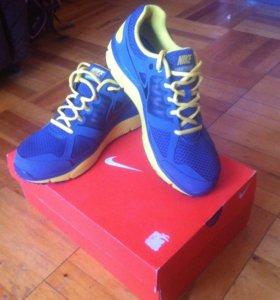 Продам оригинальные кроссовки Nike Lunar Forever 2