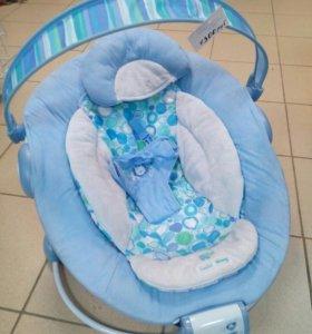 Шезлонг для новорожденных