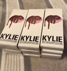 Матовый блеск+карандаш KYLIE Matte Lip Kit