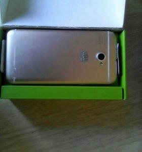 Смартфон Micromax Q346