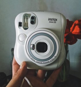 Фотоаппарат мгновенной печати Fujifilm Instax 25