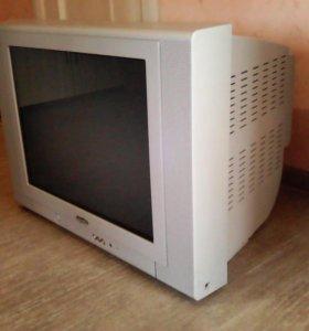 Телевизор с плоским экраном Sanyo 54 диагональ