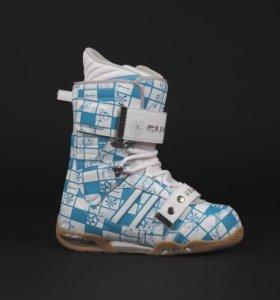 Ботинки для сноуборда Atom