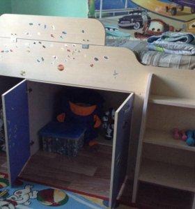 Комлект мебели для детской комнаты