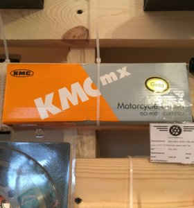 Цепь привода KMC 428DX-108L Gold