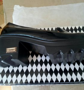 Туфли лакированные чёрные