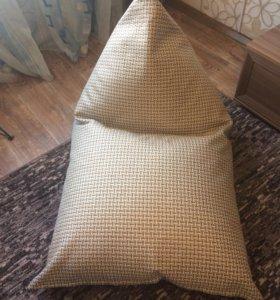 Кресло-мешок. Пирамида