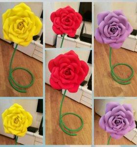 Розы Гигантские на стойках