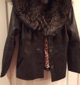 Кожаная куртка с мехом песца (натуральная )