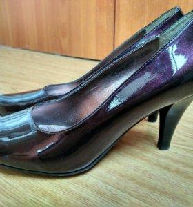 Туфли лаковые баклажановый цвет 37р