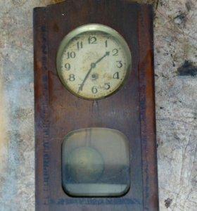 Продаю часы стариные