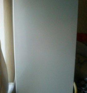Холодильник Snaige не рабочий.