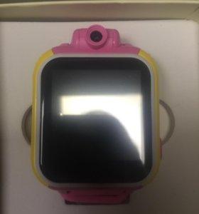 Умные детские часы с камерой qw1000