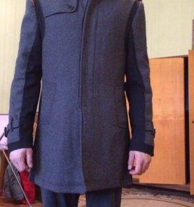 Пальто демисезонное почти новое