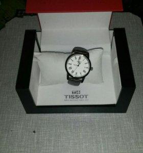 Новые часы кварцевые Tissot T033 Classic Dream