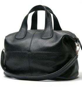НОВАЯ Черная сумка из натуральной кожи