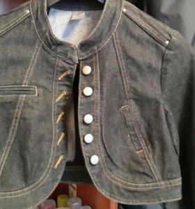 Джинсовая курточка  ( новая  )
