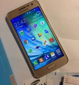 Samsung Galaxy A3 золотой