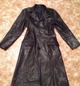 Кожанное пальто (плащ)