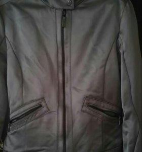 Легкий пиджак-ветровка