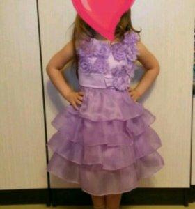 Нарядное фиолетовое платье.