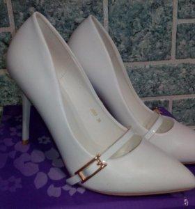 Туфли-белые
