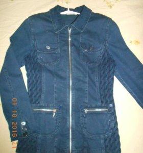 Фирменный джинсовый пиджак с вязаными вставками 46