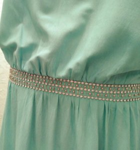 Длинное платье мятного цвета