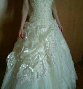 Свадебное платье + фата (все новое)